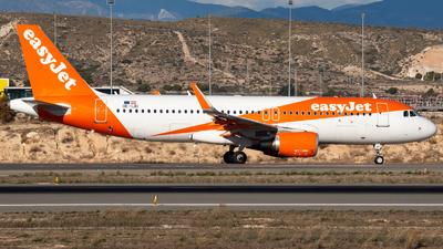 A picture of OEIJD - Airbus A320214 - easyJet - © Fryderyk Kastelnik/ Fred Aviation