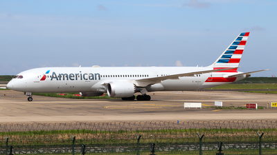 A picture of N825AA - Boeing 7879 Dreamliner - American Airlines - © Neo Mei ZSPD