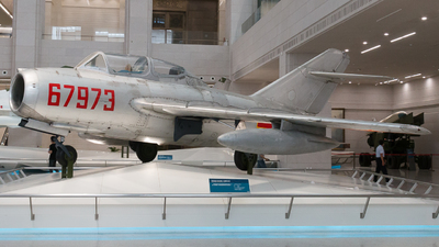 67973 - Mikoyan-Gurevich MiG-15 Fagot - China - Air Force