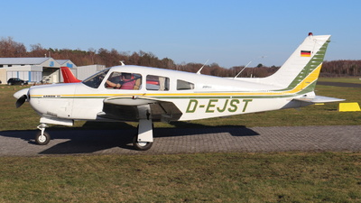 D-EJST - Piper PA-28R-201 Arrow III - Private