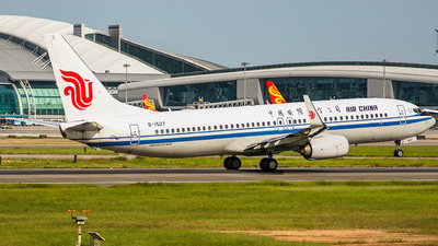 A picture of B1527 - Boeing 73789L - Air China - © KEVIN LIN