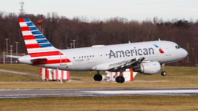 A picture of N754UW - Airbus A319112 - American Airlines - © Simon B