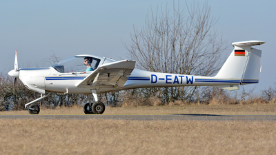 D-EATW - Diamond DA-20-A1 Katana - Private