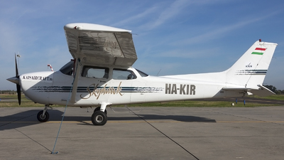 HA-KIR - Cessna 172R Skyhawk - Private