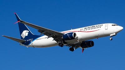 XA-AMV - Boeing 737-852 - Aeroméxico