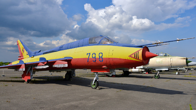 798 - Sukhoi Su-22M4 Fitter K - German Democratic Republic - Navy