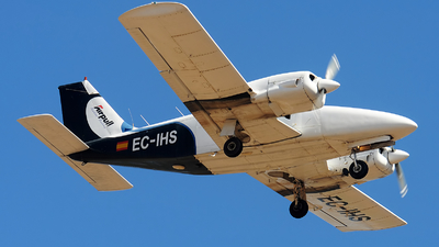 EC-IHS - Piper PA-34-200 Seneca - Airpull Aviation Academy