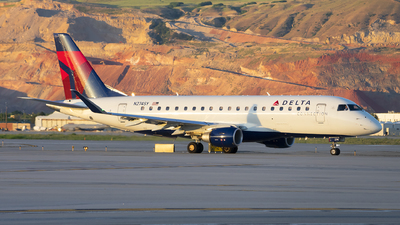 A picture of N274SY - Embraer E175LR - Delta Air Lines - © Michael Rodeback