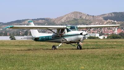 HA-SLW - Cessna 152 II - Private