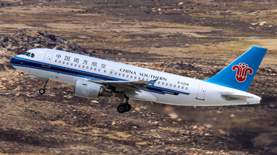 A picture of B6208 - Airbus A319115 - China Southern Airlines - © Tongjun XIANG