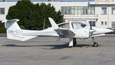 OM-GST - Diamond DA-42 Twin Star - Private