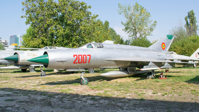 2007 - Mikoyan-Gurevich Mig-21R Fishbed - Romania - Air Force