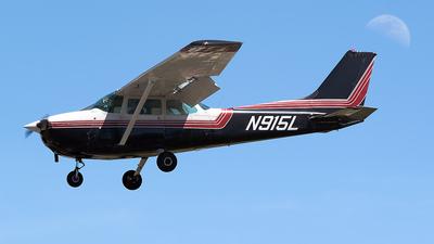 A picture of N915L - Cessna 172M Skyhawk - [17267355] - © Jim Li
