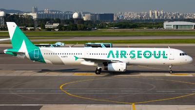 HL8073 - Airbus A321-231 - Air Seoul