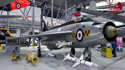 XM135 - English Electric Lightning F.1A - United Kingdom - Royal Air Force (RAF)