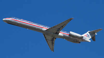N9677W - McDonnell Douglas MD-83 - American Airlines