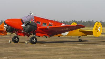 PT-DHI - Beech E18S - Private