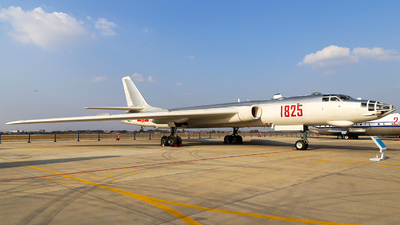1825 - Xian H-6A - China - Air Force
