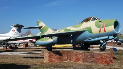 71 - Mikoyan-Gurevich MiG-17 Fresco - Bulgaria - Air Force