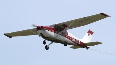 HA-SLG - Cessna 172C Skyhawk - Private