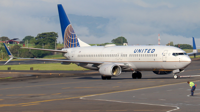 A picture of N78511 - Boeing 737824 - United Airlines - © Kenneth Mora Flores KMF777