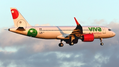 A picture of FWWIG - Airbus A320 - Airbus - © Abram Chan - AirTeamImages