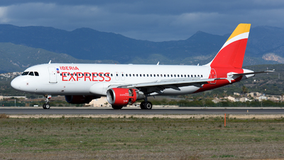 A picture of ECJFG - Airbus A320214 - Iberia Express - © Toni Marimon