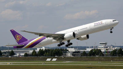 HS-TKY - Boeing 777-3D7ER - Thai Airways International