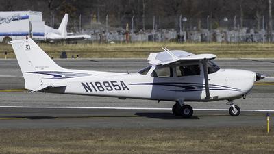 N1895A - Cessna 172S Skyhawk SP - Private
