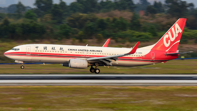 B-1990 - Boeing 737-89P - China United Airlines