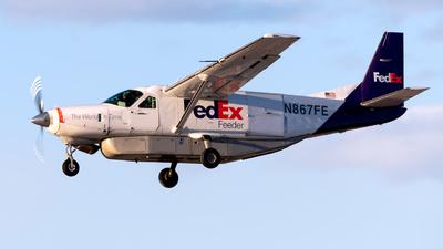 A picture of N867FE - Cessna 208B Super Cargomaster - FedEx - © Garey T. Martin