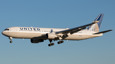 N657UA - Boeing 767-322(ER) - United Airlines