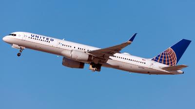 N29124 - Boeing 757-224 - United Airlines