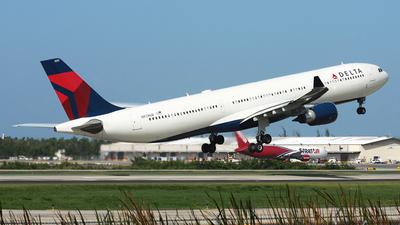 A picture of N831NW - Airbus A330302 - Delta Air Lines - © Robert Maverick Rivera