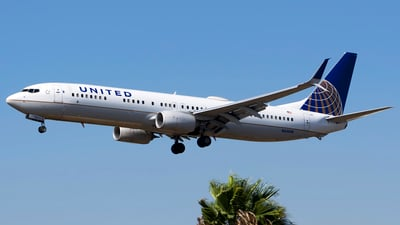 A picture of N62896 - Boeing 737924(ER) - United Airlines - © Stefan Alexandru