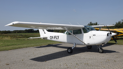 OY-FLY - Cessna 172P Skyhawk - Private