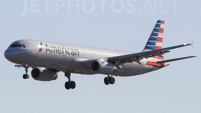 A picture of N520UW -  - [] - © Harrison F