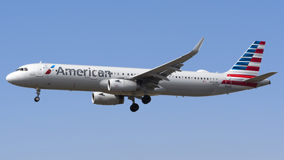 A picture of N136AN - Airbus A321231 - American Airlines - © Stefan Alexandru