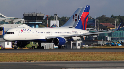 A picture of N658DL - Boeing 757232 - Delta Air Lines - © Brian Boche