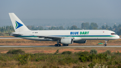 A picture of VTBDN - Boeing 75725C(PCF) - Blue Dart Aviation - © Vedant Agarwal
