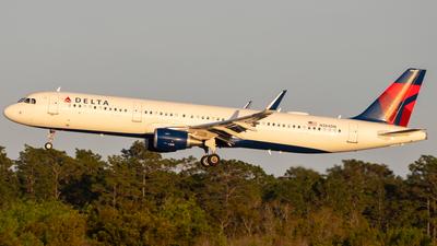 N384DN - Airbus A321-211 - Delta Air Lines