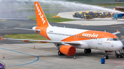 A picture of GEZBO - Airbus A319111 - easyJet - © Keiran Sidwell