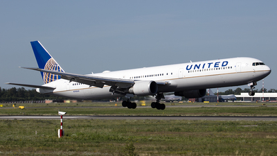 N78060 - Boeing 767-424(ER) - United Airlines (Continental Airlines)