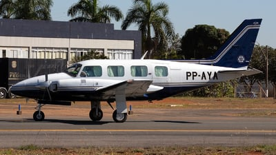 PP-AYA - Piper PA-31-325 Navajo C/R - Private