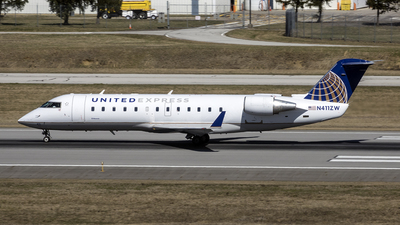 N411ZW - Bombardier CRJ-200ER - United Express (Air Wisconsin)