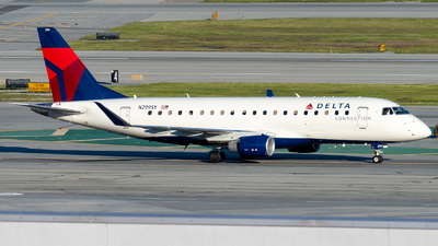 A picture of N299SY - Embraer E175LL - Delta Air Lines - © global_flyer1