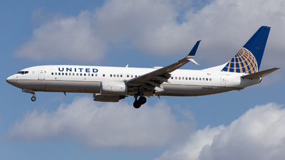A picture of N14250 - Boeing 737824 - United Airlines - © Sierra Aviation Photography