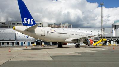 A picture of OYKBK - Airbus A321231 - SAS - © Tobias Green