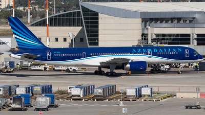 A picture of 4KAZ11 - Boeing 75722L - Azerbaijan Airlines - © Richi_Aviations