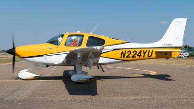N224YU - Cirrus SR22-GTS Carbon - Private